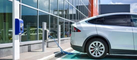 mise-a-disposition-d'un-vehicule-electrique:-quel-avantage-en-nature?