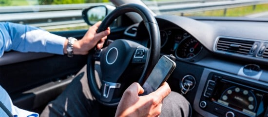 telephone-au-volant :-attention-au-retrait-de-permis !