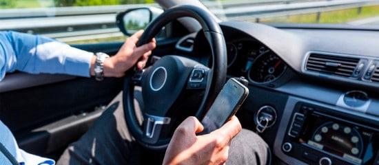 telephone-au-volant:-attention-au-retrait-de-permis!