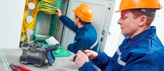 acces-internet-tres-haut-debit:-la-fibre-optique-gagne-du-terrain